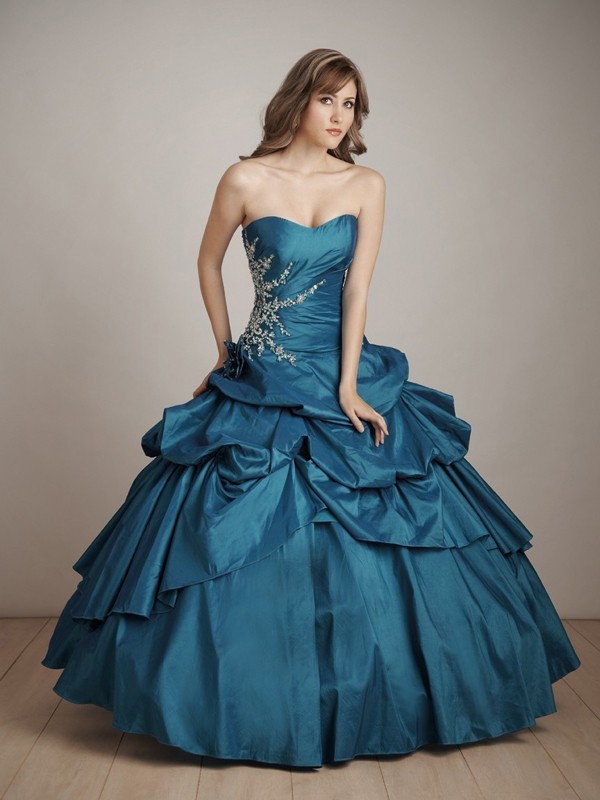 All About Elegant Ball Gowns