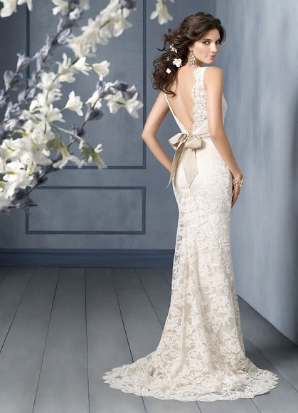 Beautiful Ivory Lace Wedding Gowns